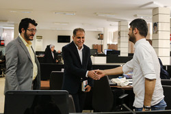Head of Iranian Space Agency tours Mehr News HQ