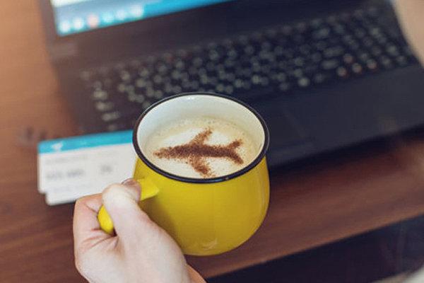 فروش بلیت هواپیما از سوی اپلیکیشن های بانکی غیر قانونی است