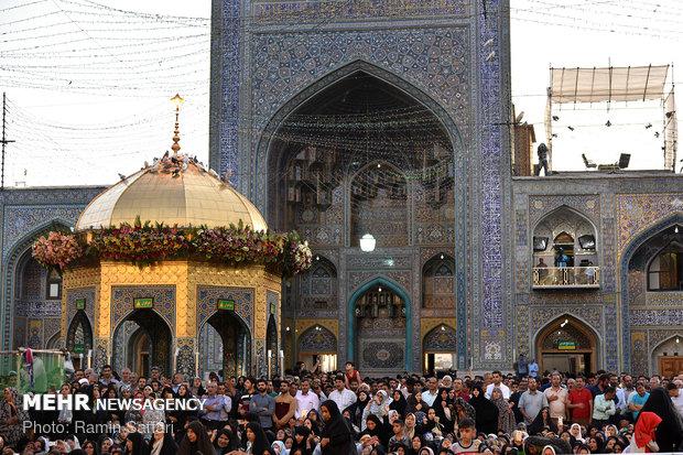 مراسم تبديل راية قبة الامام علي بن موسى الرضا (ع)