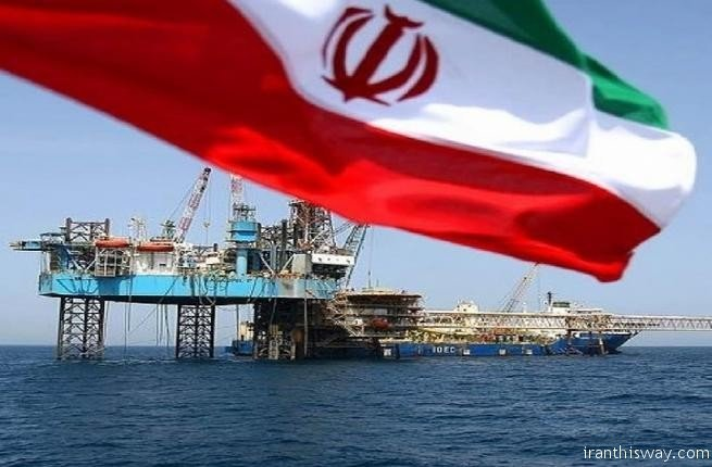 Oil rises ahead of renewed U.S. sanctions against Iran