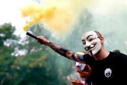رانندگان تاکسی در بارسلونای اسپانیا، در اعتراض به فعالیت تاکسی های اینترنتی دست به اعتراض و اعتصاب زدند