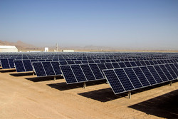 قصور ادارات اردبیل در نصب پنلهای خورشیدی/مردم صرفهجویی کنند