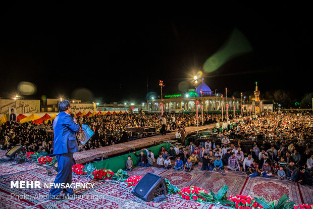 جشن مردمی زیر سایه خورشید با حضور خادمین رضوی در یزد