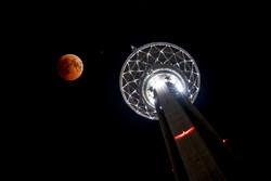 رصد طولانی ترین ماه گرفتگی قرن در برج میلاد