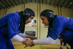 İranlı kadın güreşçilerin antremanından kareler
