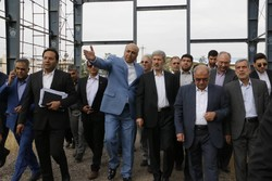 العميد حاتمي يتفقد مشاريع ووحدات صناعية في محافظة زنجان