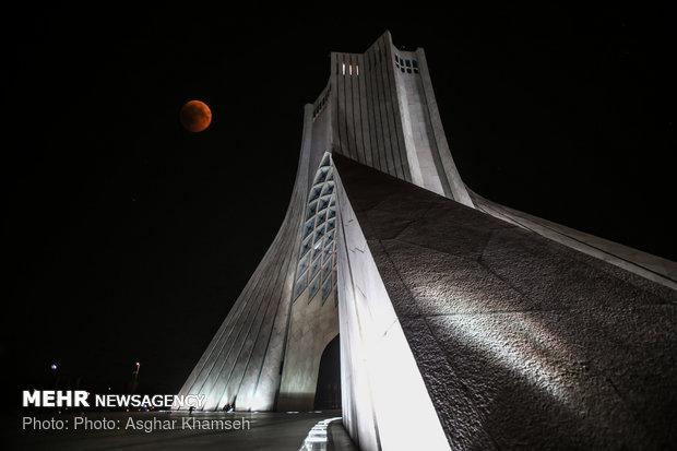 ماه گرفتگی ۵ مرداد ۱۳۹۷ (۲۷ جولای ۲۰۱۸) یکی از خاصترین رویدادهای نجومی سالهای اخیر بوده است - اصغر خمسه