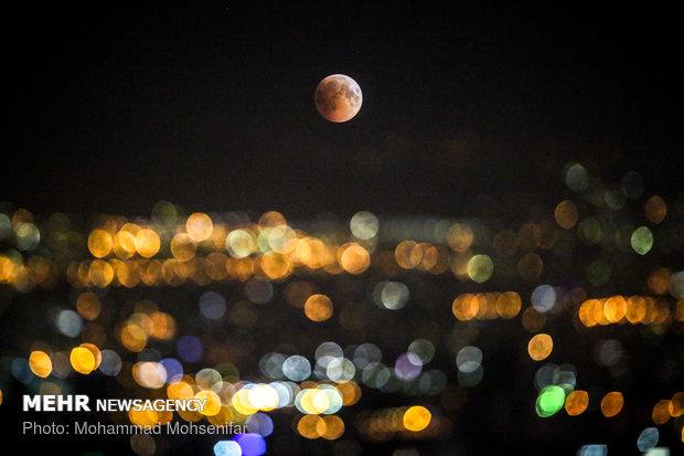 امکان رصد ماه گرفتگی امشب در ۴ قاره/ رویت خسوف از آسمان ایران