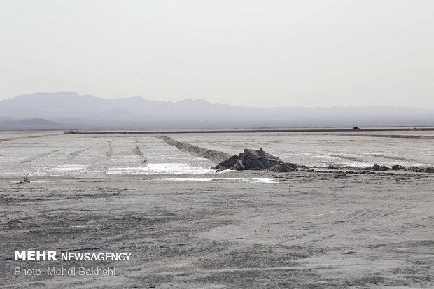 Drying Hoz Soltan Salt Lake in Qom prov.