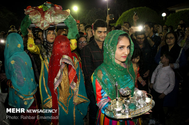 ساخت و حنابندان اصلی ترین بخش عروسی بندری