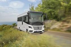 تصاویر اتوبوس لوکسی که سفر را لذت بخش می کند