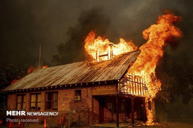 پاکستان میں وہابی دہشت گردوں نے 2 اسکولوں کو آگ لگادی