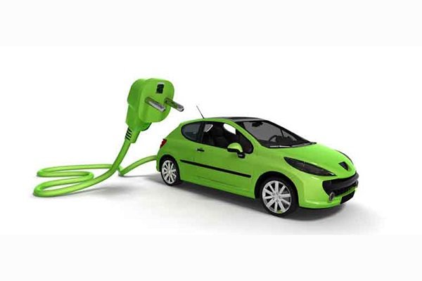 Industry ministry puts manufacturing hybrid car at top of agenda
