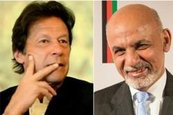 افغان صدر اور پاکستانی وزير اعظم کی امریکہ اور طالبان معاہدے پر تبادلہ خیال