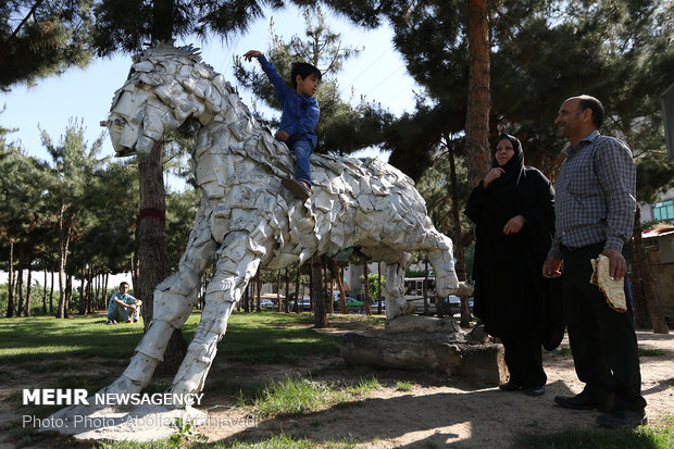 Tehran hosts sculpture made from recycled materials