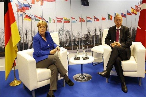 Erdoğan Merkel ile bölgedeki son gelişmeleri görüştü