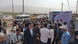 افتتاح۵۰۰۰ واحد در مناطق زلزلهزده/گلایه مردم ازعدم کفاف تسهیلات