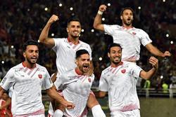 """فريق""""برسبوليس"""" يهزم فولاد خوزستان ويتصدر الدوري الإيراني"""