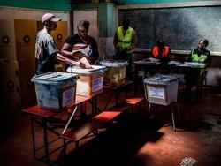 حزب حاکم زیمبابوه موفق به کسب اکثریت پارلمانی شد