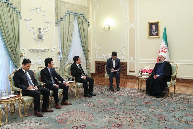 روحاني يدعو إلى توثيق العلاقات المشتركة بين البنوك الإيرانية والفيتنامية