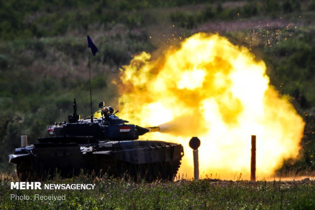 Competition of armored tanks in Russia