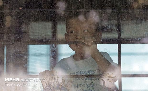بازگرداندن کودکان مهاجران به آغوش خانواده ها