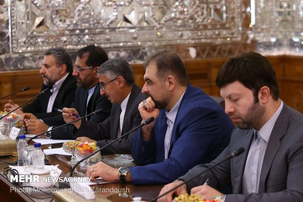 Speaker Larijani receives chair of Russian Duma's Foreign Affairs Committee