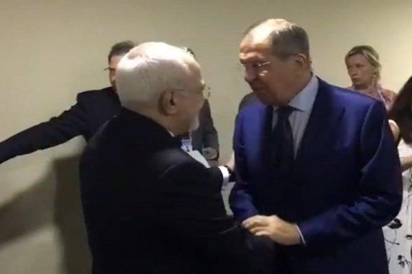 """ظريف يلتقي لافروف على هامش اجتماع رابطة """"آسیان"""""""
