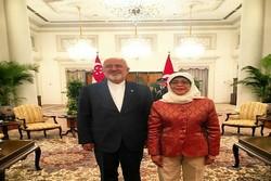 وزير الخارجية الايراني يلتقي رئيسة جمهورية اندونيسيا