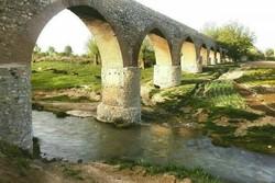 بیتوجهی مسئولان به پل تاریخی «قلعه حاتم»/ وعدههایی برای رفع مشکلات