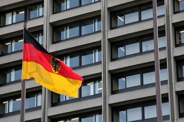 Germany stops cash transfer to Iran amid EU package to counter U.S. JCPOA exit