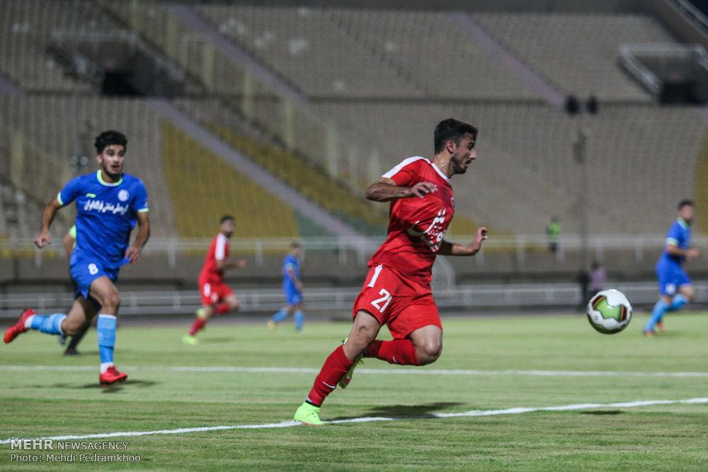 دیدار تیم های استقلال خوزستان و پدیده