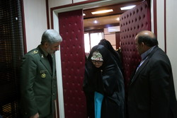 Families of martyrs meet with minister of defense