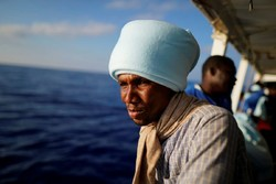 روی عرشه کشتی پناهجویان