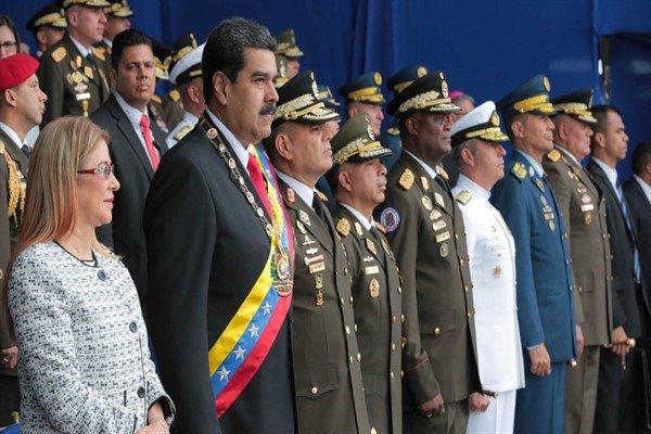 مادورو يطلق اضخم مناورات بتاريخ فنزويلا وبديله يتوعده