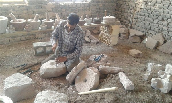 Traditional stone carving being revived in Ardestan