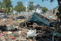 Endonezya'daki 7,5'lik deprem: 384 ölü