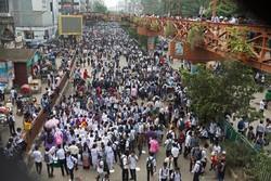 بنگلہ دیش میں گارمنٹس ملازمین کا تنخواہوں میں اضافہ نہ ہونے پر مظاہرہ