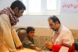 حضور کاروان سلامت هلال احمر استان گلستان در مناطق محروم سیستان و بلوچستان