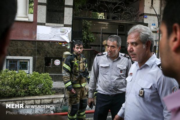 آتشسوزی ساختمان اداری۱۰ طبقه در خیابان آفریقا