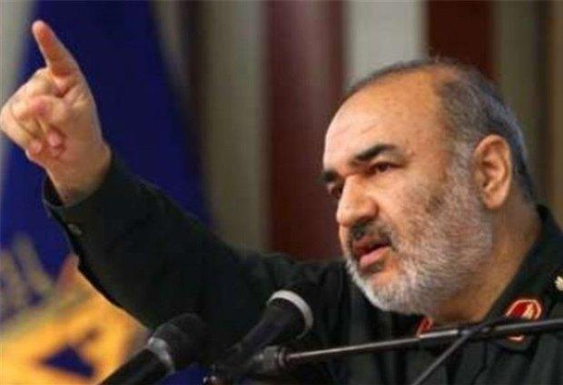 نائب قائد الحرس الثوري:  إيران لن تفرش السجاد الأحمر للأمريكان