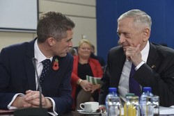 نشست وزرای دفاع آمریکا و انگلیس درباره ایندوپاسیفیک و افغانستان