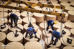واردات کاغذ در دست افراد ناشناس/ بیشتر واردکنندگان رسمی حتی یک دلار ۴۲۰۰ تومانی هم نگرفتند