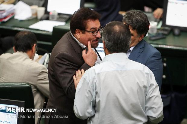 İran Çalışma Bakanı meclisten güvenoyu alamadı