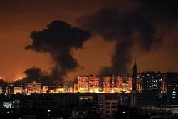18 إصابة بقصف إسرائيلي دمر مركزا ثقافيًّا غرب غزة