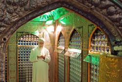 مراسم إزالة الغبار عن ضريح الإمام الرضا (ع) بحضور قائد الثورة الاسلامية /صور