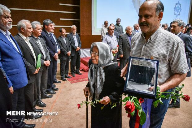 شانزدهمین اجلاسیه خیرین سلامت استان فارس