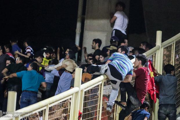 ۱۷ نفر از مخلان نظم بازی استقلال خوزستان و پرسپولیس دستگیر شدند