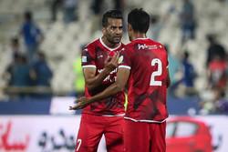 تشویق شدید مسعود شجاعی/ جشن هواداران تراکتور در ورزشگاه