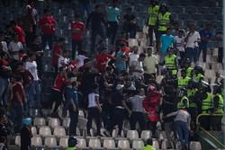 محیطهای ورزشی باید دور از سیاست باشند/ طرفداران فوتبال هوشیار باشند